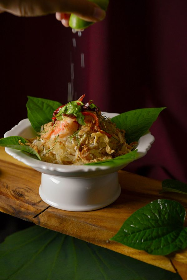 Ma Maison : THAI POMELO SALAD WITH GRATED COCONUT, PRAWNS AND SHREDDED CHICKEN